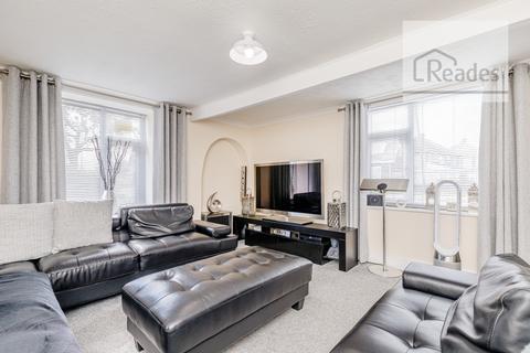 4 bedroom semi-detached house for sale - Chester Road, Oakenholt CH6 5