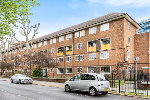 3 bedroom flat for sale - Slippers Place London SE16