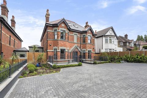 3 bedroom apartment for sale - Chinbrook Road, London SE12