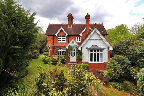 4 bedroom detached house for sale - North Frith Park, Hadlow, Tonbridge, Kent, TN11