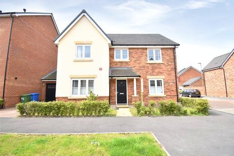 4 bedroom detached house for sale - Warbler Road, Farnborough, GU14