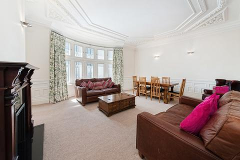 3 bedroom flat to rent - Old Court House, Old Court Place, London