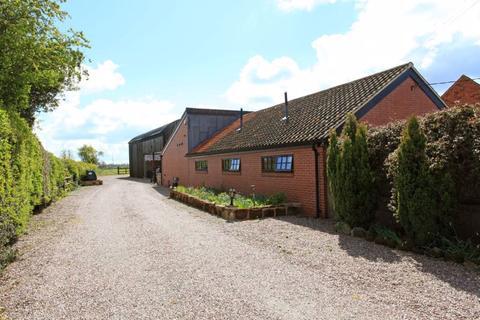 5 bedroom barn conversion for sale - 2 Park Farm, KIngswood, Albrighton. WV7 3AJ