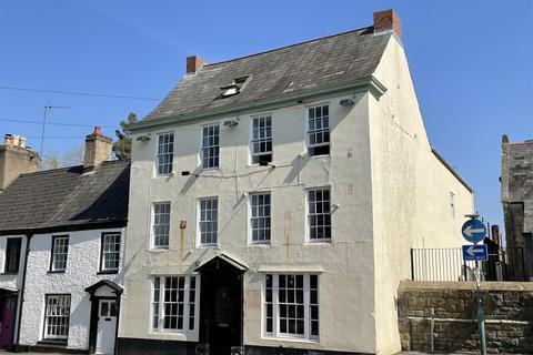 5 bedroom property with land for sale - Bridge Street, Chepstow