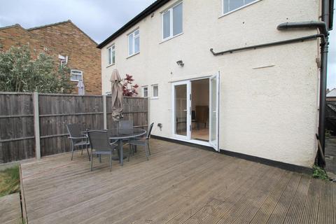2 bedroom semi-detached house to rent - Alexandra Road, Ashford