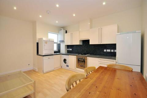 3 bedroom flat for sale - Weedington Road, Kentish Town