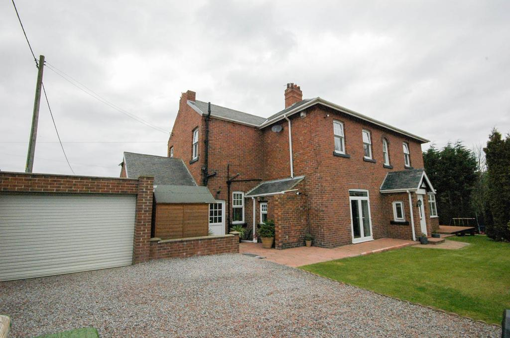 3 Bedrooms Semi Detached House for sale in North View, Castletown