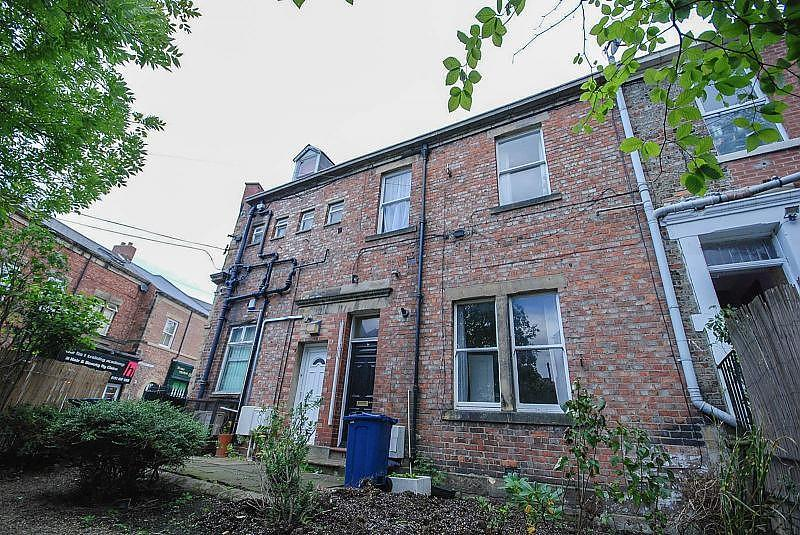 3 Bedrooms Terraced House for sale in Sedgewick Place, Gateshead