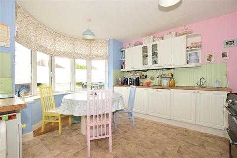 4 bedroom bungalow for sale - Cowes Road, Newport, Isle of Wight
