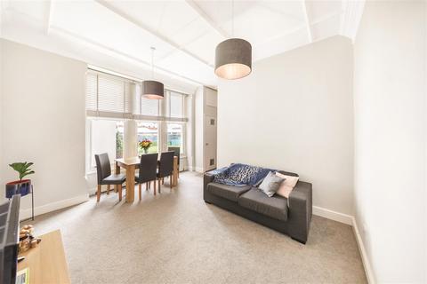 2 bedroom flat to rent - Comeragh Road, W14
