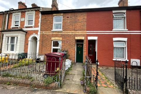 4 bedroom terraced house to rent - Carnarvon Road,  Reading,  RG1