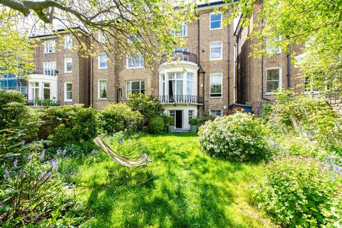 3 bedroom flat for sale - Belsize Square, London, NW3