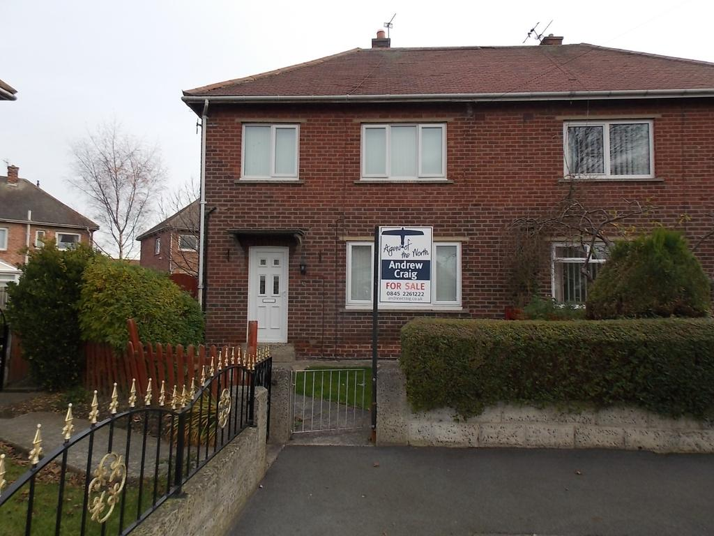 3 Bedrooms Semi Detached House for sale in Melrose Grove, Jarrow