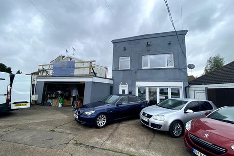 Garage for sale - DIamond Ave, Kirkby in Ashfield, Nottingham NG17