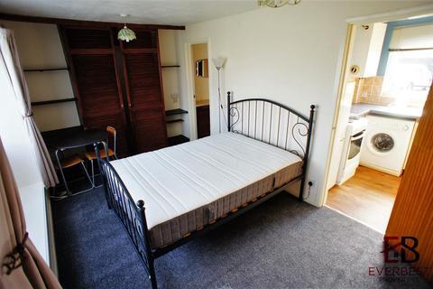 Studio to rent - Rosedale, Wallsend, Newcastle Upon Tyne
