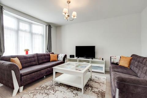 2 bedroom end of terrace house for sale - Goring Gardens, Dagenham, London RM8 2AD