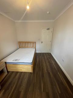 4 bedroom house share to rent - Moxon Street, Barnet