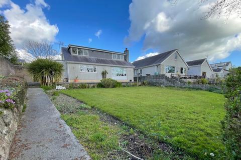 4 bedroom bungalow for sale - Cae Corn Hir, Caernarfon, Gwynedd, LL55