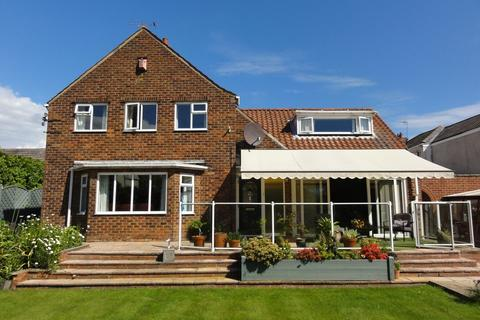 3 bedroom detached house for sale - Hailgate, Howden, Goole