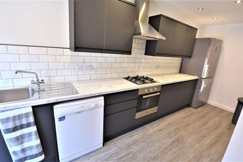 1 bedroom in a house share to rent - 118 Brudenell Road (Room 3)