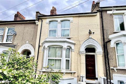 4 bedroom maisonette for sale - Ripon Road, Shooters Hill, London, SE18