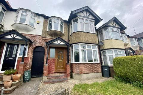 3 bedroom terraced house to rent - Crawley Green Road, Luton