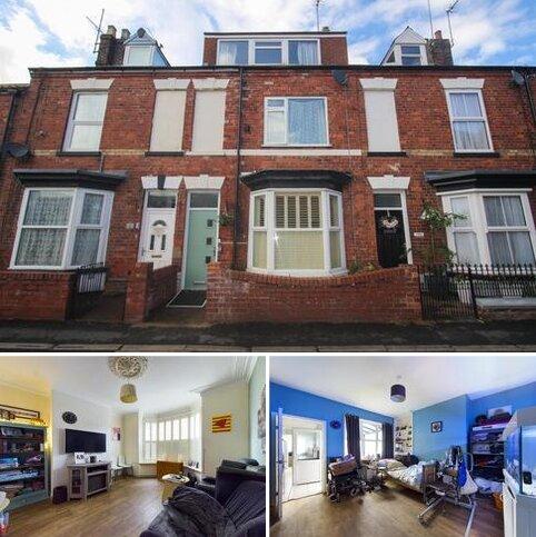 3 bedroom terraced house for sale - Portland Place, Bridlington