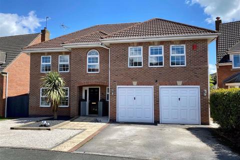 5 bedroom detached house for sale - Coalport Drive, Stone