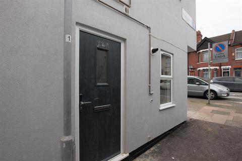 1 bedroom flat to rent - Warwick Road West, Luton, LU4
