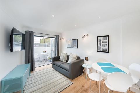 1 bedroom flat to rent - Moore Park Road, SW6