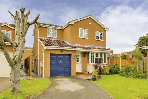 3 bedroom detached house for sale - Maythorn Close, West Bridgford, Nottinghamshire, NG2 7TE