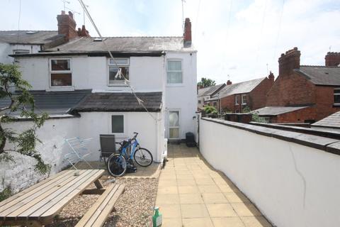 4 bedroom semi-detached house for sale - Leonard Street, Chester