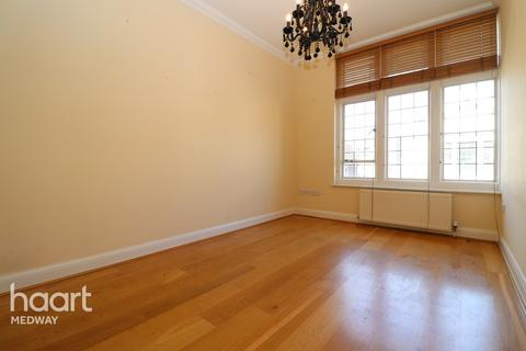 2 bedroom apartment for sale - High Street, Rochester