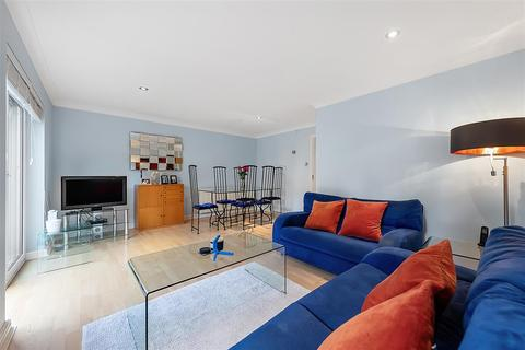 2 bedroom terraced house for sale - Woodlawn Close, SW15