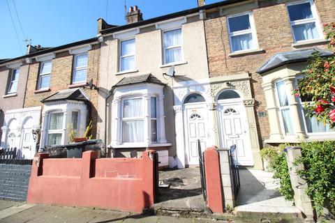 3 bedroom terraced house for sale - Station Crescent N15