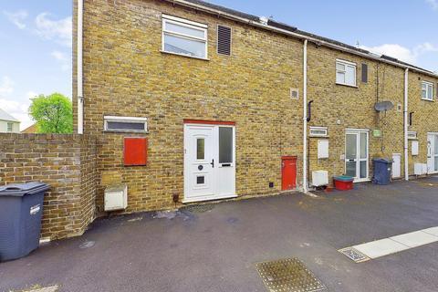 3 bedroom semi-detached house for sale - Pentelow Gardens, Feltham, TW14