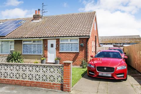 2 bedroom semi-detached bungalow for sale - Hollycroft, Barmston, YO25 8PP