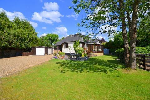 4 bedroom detached bungalow for sale - Towpath, Off Reed Place, Shepperton, TW17