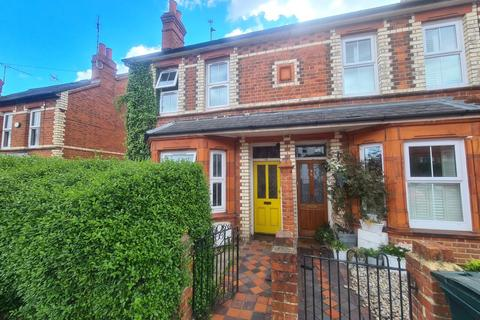 4 bedroom house to rent - Shaftesbury Road, Reading