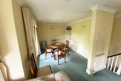 3 bedroom flat to rent - Woodford Road, South Woodford E18