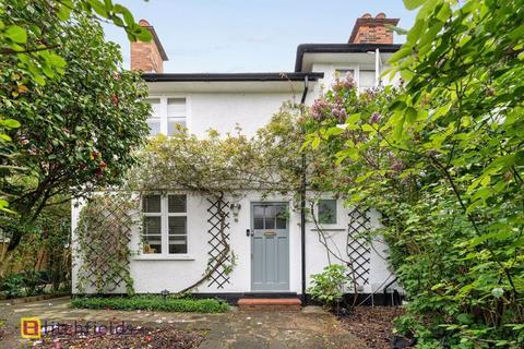 2 bedroom cottage for sale - Willifield Way, Hampstead Garden Suburb, NW11