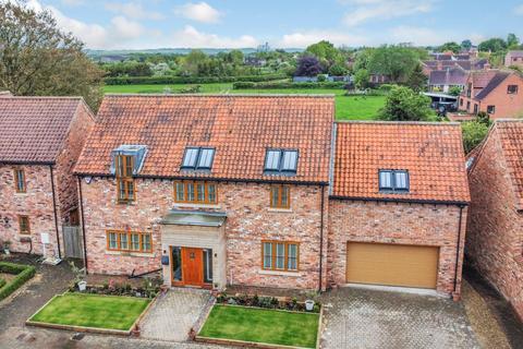 5 bedroom detached house for sale - North End Close,Foston,Grantham,NG32 2HW
