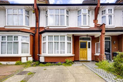 4 bedroom terraced house for sale - Caversham Avenue, London N13