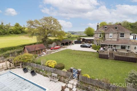 5 bedroom detached house for sale - Maddacombe Road, Newton Abbot