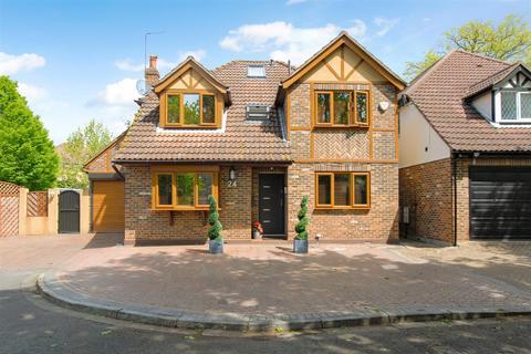 5 bedroom detached house for sale - Chestwood Grove, Hillingdon