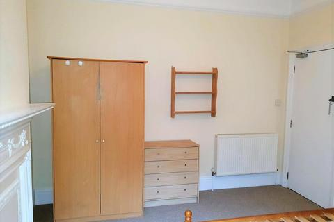 1 bedroom in a house share to rent - Walpole Road, Boscombe