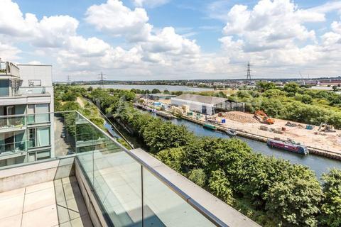 2 bedroom penthouse to rent - Crane Heights, Waterside way