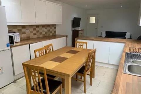9 bedroom semi-detached house to rent - 299 Dawlish Road, Selly Oak, Birmingham