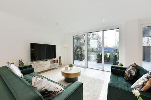 3 bedroom apartment to rent - Cendal Crescent, Whitechapel, E1