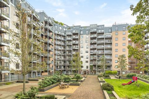 2 bedroom flat to rent - Seren Park Gardens Blackheath SE3